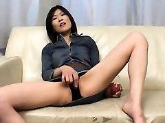 Kasumi Ito arouses labia with vibrator and sucks cock and