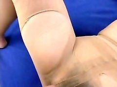Pantyhose Gal with the Hairy Poon