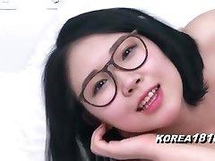 KOREA1818.COM - Spectacular Glasses Korean Babe!