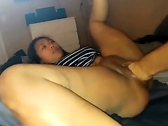 Asian babe gets fisted