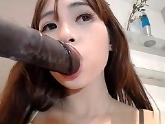 Chinese Amateur Whore Cumming On Live Camshow