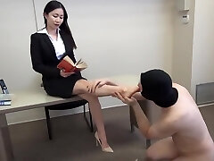 siren thorn footjob with pop-shot all over toes