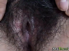 Japanese ho spreads pussy