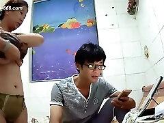 해커는 연인의 가정 생활의 원격 모니터링에 카메라를 사용합니다.323