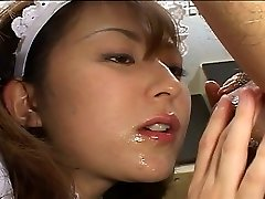 Asian maid pleases her chief