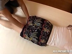 Aoi Aoyama enticing red-hot mature Asian stunner in hardcore action