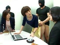יפנית משרדים חוק! לדבר על פינוקים!