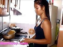 HD Heather Deep Scared in Kitchen gives gargle creamthroat throatpie