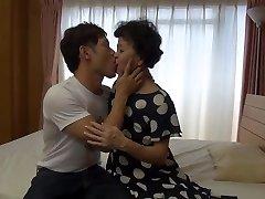 Kimiko Isogai 64-jährige japanische Oma