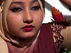 bangladeshi sexy girl showing her sexy fun bags style