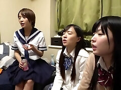 4 schoolgirls come to your home