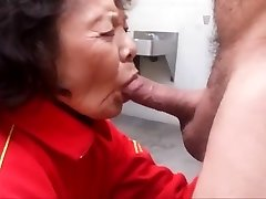 Grandmother loves sucking sausage and swallowing cum