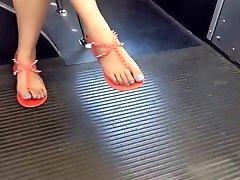 Iskrene Azijskih Noge in na Avtobusu