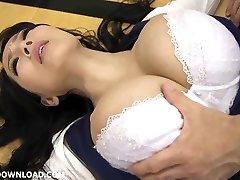 óriás busty ázsiai lány