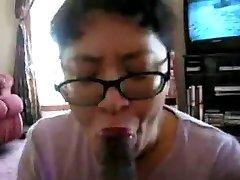 Chinese Milf suck black fuckpole many times