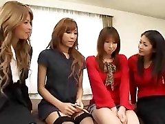 アジアかshemales orgy