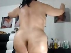 SEXY  ASIAN  Grannie LIKES TO SHOW HER CHUBBY Arse AND PUSSY