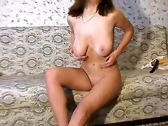 Red-hot chinamary displaying boobs on live webcam