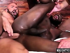 Hot gay threeway with creampie