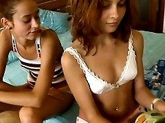 germanian chicks Vika and Natasha