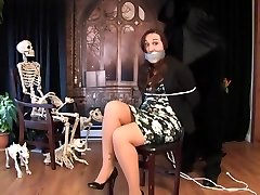 Sinn Sage trussed up (Happy Halloween)