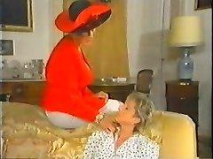 Retro Mature French Mom enjoys going knuckle deep