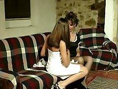 Gabriela (Marina) e Isabel - A lezzy affair of a Portuguese maid.