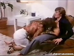 Classic anal fucking for buxomy Veronica Hart