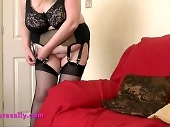 Sizzling Grannie in retro garter and stockings