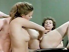 Horny Fisting, Threesomes sex video