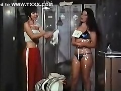 Fabulous Vintage, Cougars sex scene