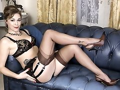 Dirty blondie masturbates in vintage brown nylons stilettos