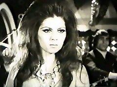 Foroozan in 'Mikhake Sefid' movie
