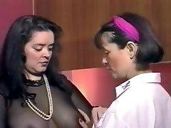 Vieilles salopes aux gros nichons- French antique porn