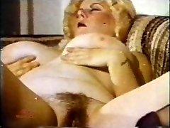 Big Titty Marathon 130 1970s - Scene 2