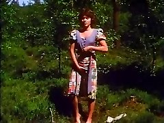Retro - Girl faps outdoor