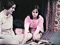 Girly-girl Peepshow Loops 641 60's and 70's - Sequence 8