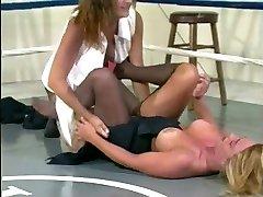 Wrestling Ring Tear n Smother