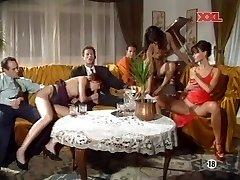 (G) Mona Lisa & Anita Platinum-blonde - Party lovemaking