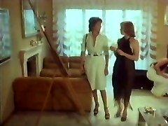 Emanuelle E Francoise Le Sorelline Girl-girl Scene