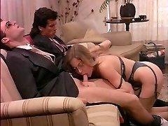 Moana Pozzi Double Oral Job in Eccitazione fatale (1992)