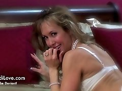 Strip and Taunt at Club Retrotica A Brandi Love Amateur Adventure