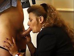 Sucking on the schlong - Julia Reaves