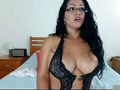 Mature Mom early morning playing with her twat