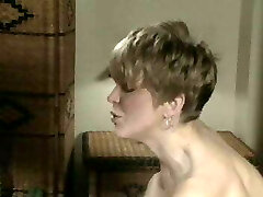 Switch to  strap-on short haired blonde