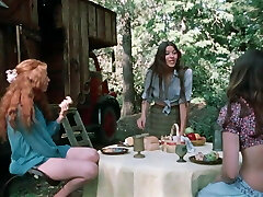 Tiny Sisters (1972)