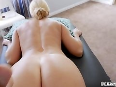 Stuffing stepmoms cooter with an whole fist