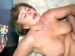 Mature pussy getting tongued before it is ravaged hard
