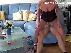 GERMAN MATURE seduce Young Dude NEIGHBOR to Fuck when alone