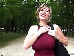 Milena - Que de surprises pour Milena, 28ans  1